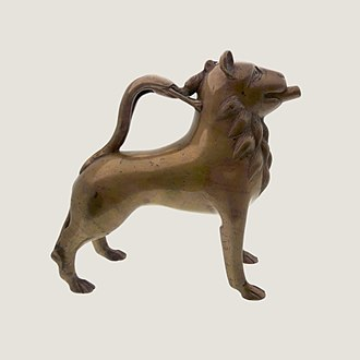 Aquamanile - Brass aquamanile in the form of a lion from Lower Saxony or Westphalia, Germany, 13th century (National Museum in Warsaw)