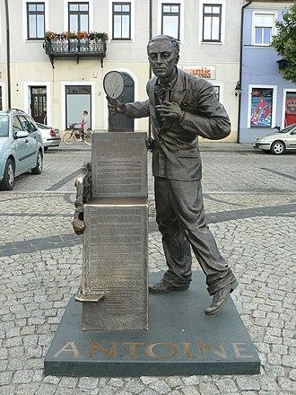 Antoine de Paris - The monument of Antoni Cierplikowski (Monsieur Antoine) in Sieradz