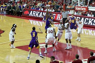 Arkansas Razorbacks men's basketball - Image: Arkansas vs. LSU basketball 2009 10