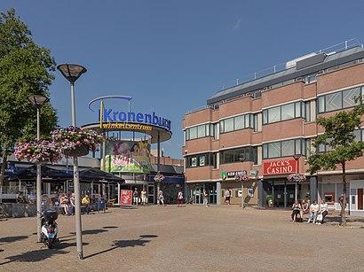 Hoe gaan naar Winkelcentrum Kronenburg met het openbaar vervoer - Over de plek