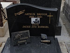 Arthur Briggs (musician) - Grave of Arthur Briggs, Montmartre Cemetery, Paris.