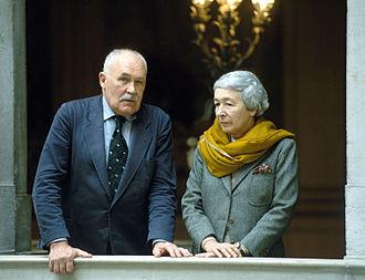 Pontus Hultén - Hulten with Gae Aulenti (Venice, 1986)