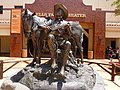 Autry National Center of the American West, Gene Autry Statue, 2010 - panoramio.jpg