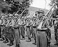 Batavia 3e Bewakingsbataljon. Opleiding van de Indonesische rekruten, die zich , Bestanddeelnr 12438.jpg