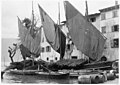 Bateaux de pêche sur le lac de Garde - Médiathèque de l'architecture et du patrimoine - AP62T104585.jpg