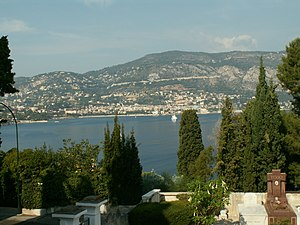 Beaulieu-sur-Mer from Saint-Hospice 2007.jpg