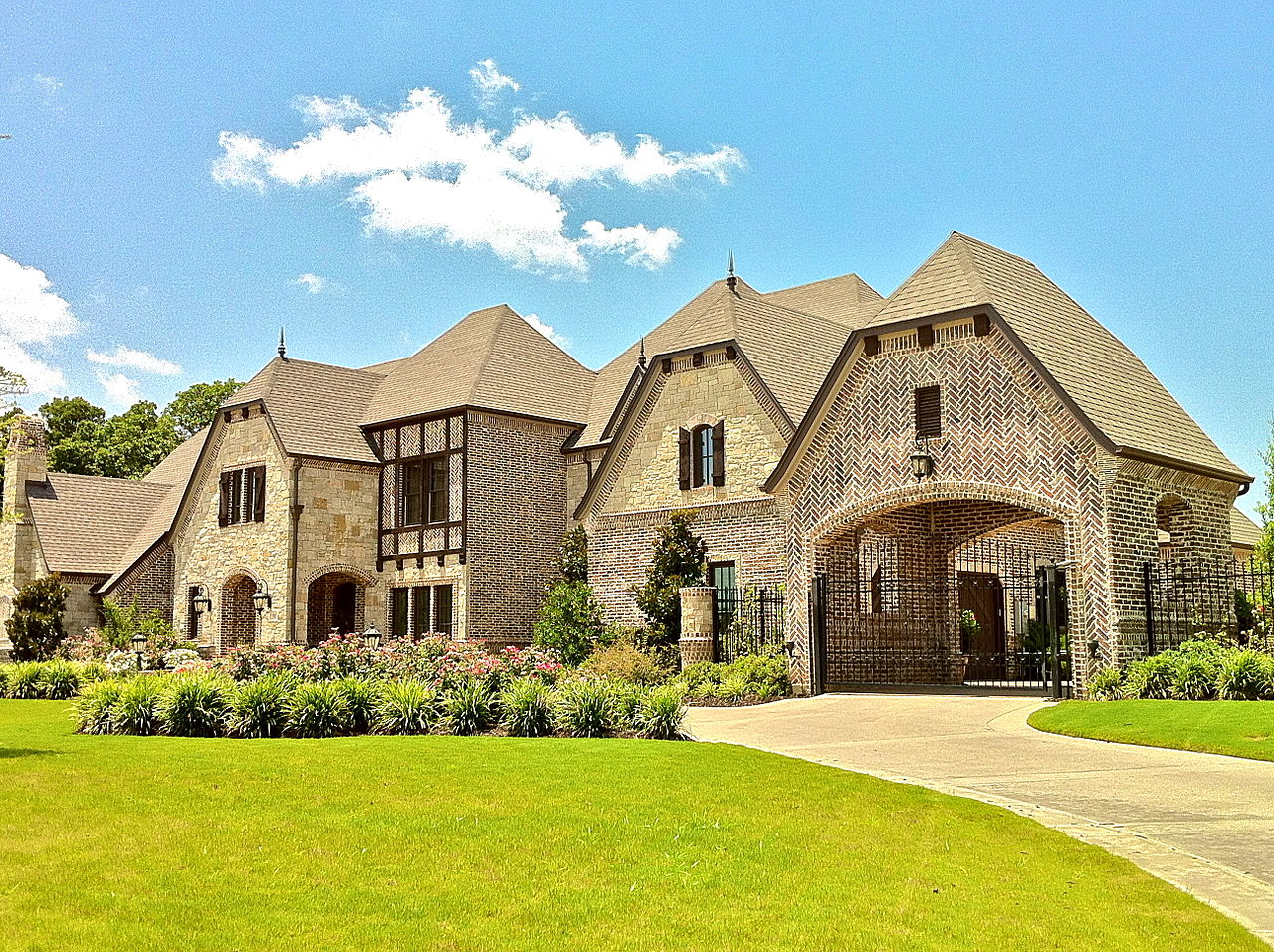 File beautiful estate in the reserve one of southlake 39 s for Beautiful homes and great estates pictures