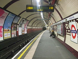 Belsize Park tube station - Image: Belsize Park stn northbound look north