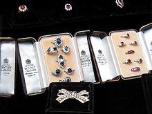Bentley skinner wikipedia for Bentley and skinner jewelry