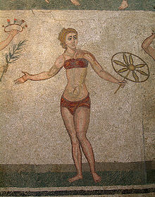 Donna in bikini, dai mosaici romani di Villa del Casale, a Piazza Armerina