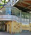 Bir-Hakeim station entrance, Paris 24 May 2015.jpg