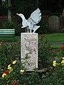 Bird sculpture at Aubery Park - geograph.org.uk - 943725.jpg
