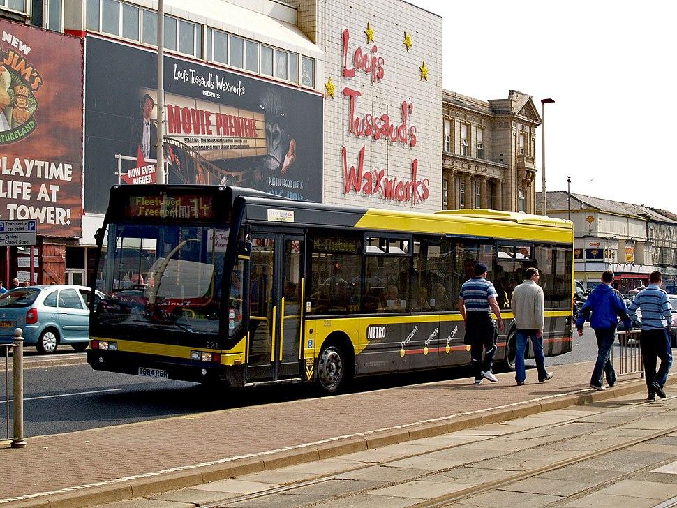 Blackpool Transport bus 221 (T884 RBR), 17 April 2009