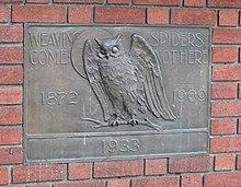Plaque à l'entrée du bâtiment du Bohemian Club