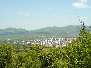 Botevgrad - Image: Botevgrad.ot.Chekani cia.800px