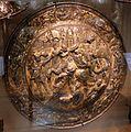 Bottega italiana, rotella con scena di battaglia, 1550 ca.jpg
