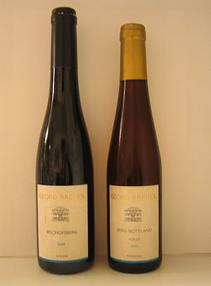 German wine classification - A bottle of regular Riesling Auslese (left) and a bottle of Riesling Auslese Goldkapsel (Gold capsule) from the same producer.