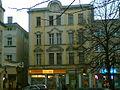 Budynek na rogu ulic Szewskiej i Rynek w Kluczborku - panoramio.jpg