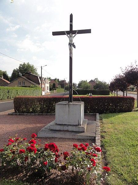 Buire (Aisne) croix de chemin