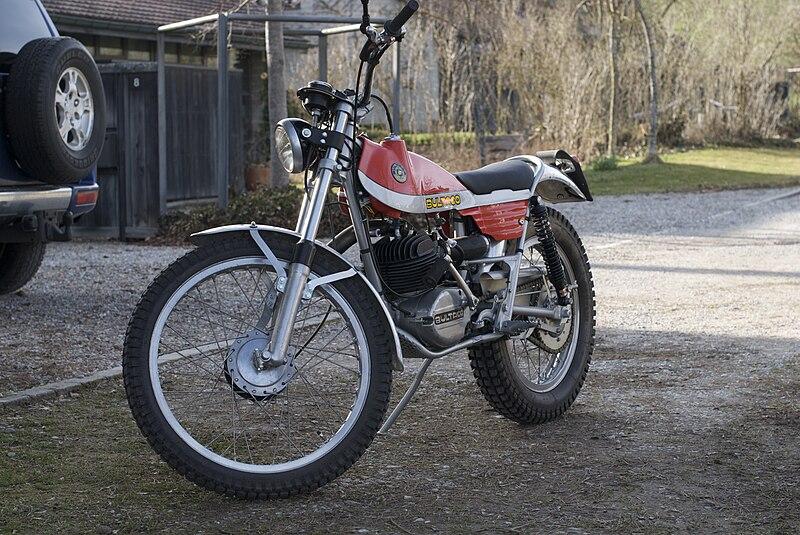800px-Bultaco_Sherpa_T_250_1974.jpg