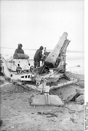 Mortier de 280 modèle 1914 Schneider - Image: Bundesarchiv Bild 101I 278 0895 32, Russland, Mörser, Soldaten