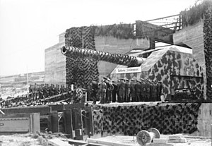 H-class battleship proposals - One of the 40.6 cm guns at Batterie Lindemann