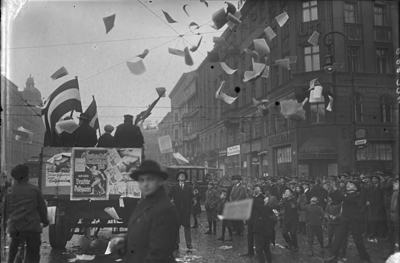 Bundesarchiv Bild 102-00886, Berlin, Propaganda zur Reichstagswahl