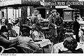 Bundesarchiv Bild 183-L12792, Paris, deutsche Soldaten vor einem Restaurant.jpg