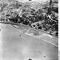 Bundesarchiv Bild 195-0885, Rheinbefliegung, Düsseldorf-Heerdt.jpg