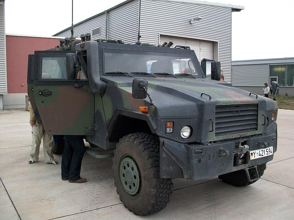 1024px-Bundeswehr_mowag_eagle_IV_front.JPG
