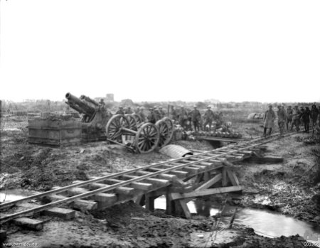 C01364-9.2 inch howitzer Ypres 1917