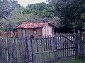 CASA DE SAPÉ EM BOITUVA - SÃO FEITAS DE BARRO E BAMBÚ ENTRELAÇADO EM VARA OU MADEIRA ROLIÇA - TAMBEM CONHECIDA COMO CASA DE PAU À PIQUE. - SAPÉ LITTLE HOUSE - panoramio (1).jpg