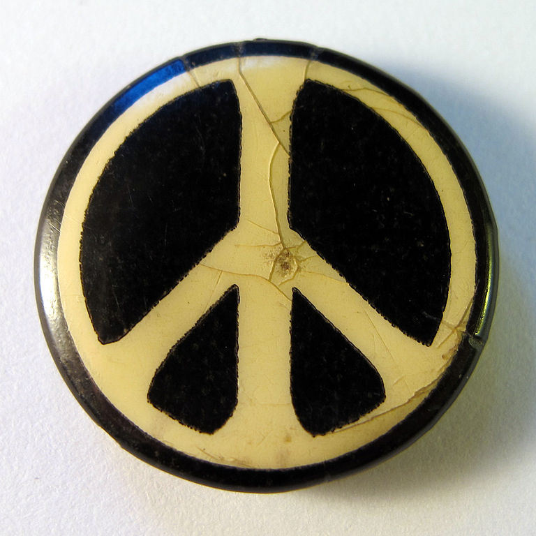 file cnd badge  1960s jpg
