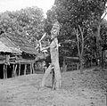COLLECTIE TROPENMUSEUM Houten schrikbeeld bij Longnawan Borneo TMnr 10001118.jpg