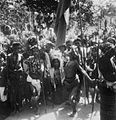 COLLECTIE TROPENMUSEUM Kisar dansers op Kisar een van de Zuidwester-eilanden TMnr 10003484.jpg