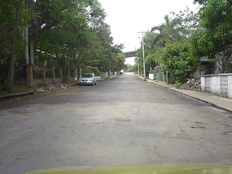 File:Campo 18 de Marzo en Mata Redonda, Veracruz - panoramio.jpg
