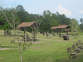 Caney Lakes Recreation Area - Picnic sites at Lower Caney Lake