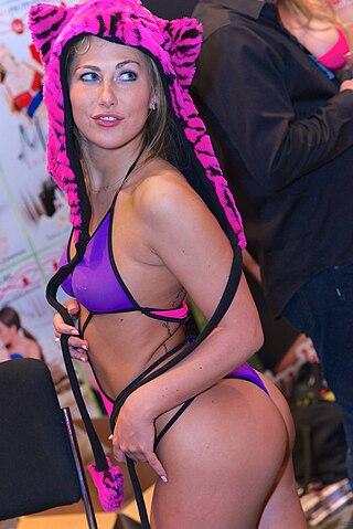 Roxy Reynolds :: Gratuit Porno Tube Vidos roxy reynolds