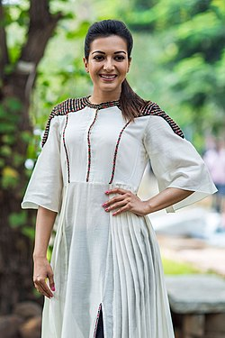 Catherine Tresa at the Kalakalappu 2 Press Meet.jpg