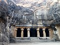 Cave 1 Elephanta Caves Elephanta Island India - panoramio (4).jpg
