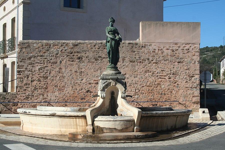 Cazedarnes (Hérault) - fontaine