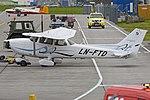Cessna 172S Skyhawk SP 'LN-FTD' (45039633881).jpg