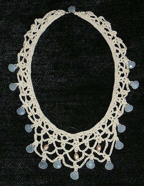 File:Chalcedony crochet necklace.jpg