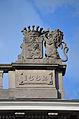 Charleroi - Athénée royal Vauban - fronton (lion héraldique de droite).jpg