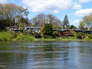 Houses on River Rd, Chartwell along the Waikato River