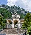 Cimitero monumentale volta con montagna Gargnano.jpg
