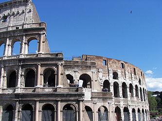 Colosseum (Rome) 17.jpg