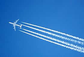 Contrail.fourengined.arp.jpg