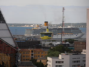 Costa Luminosa departing Tallinn 11 July 2012.JPG