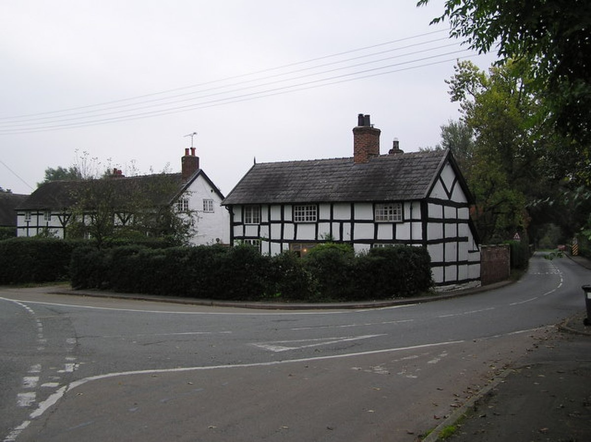 Cottages at Church Minshull - geograph.org.uk - 272693.jpg
